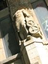 Escultura al entrar en el Tacheles de Berlín.
