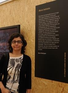 Muros hablados y la autora en LCE. Fotografía de Fran Simó.